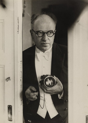 "Lore Feininger. Erich Salomon. 1929. Gelatin silver print, 9 1⁄8 x 6 1⁄2"" (23.2 x 16.5 cm). The Museum of Modern Art, New York. Thomas Walther Collection. Gift of Thomas Walther"
