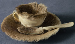 Meret Oppenheim. Object. 1936. Fur-covered cup, saucer, and spoon, cup 4 3/8″ (10.9 cm) in diameter; saucer 9 3/8″ (23.7 cm) in diameter; spoon 8″ (20.2 cm) long, overall height 2 7/8″ (7.3 cm). Purchase. © 2009 Artists Rights Society (ARS), New York/Pro Litteris, Zurich