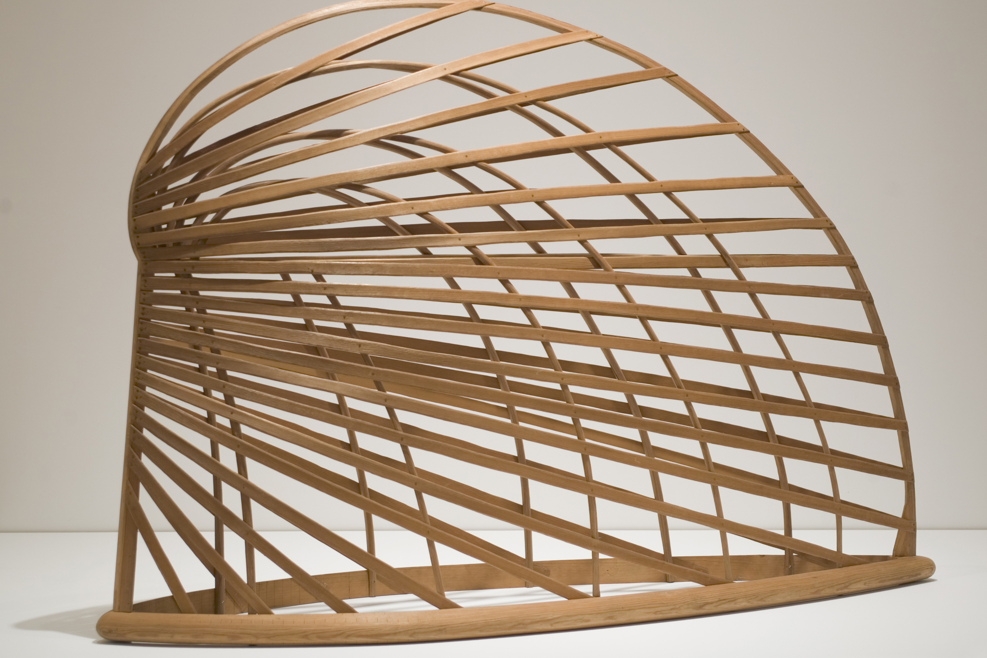 Martin Puryear. Bower. 1980. Sitka spruce and pine, 64″ × 7′ 10 3/4″ × 26 5/8″ (162.6 × 240.7 × 67.6 cm). Smithsonian American Art Museum, Washington D.C. Museum purchase made possible through the Luisita L. and Franz H. Denghausen Endowment, Alexander Calder, Frank Wilbert Stokes, and the Ford Motor Company. Photograph by Richard Barnes. © 2007 Martin Puryear