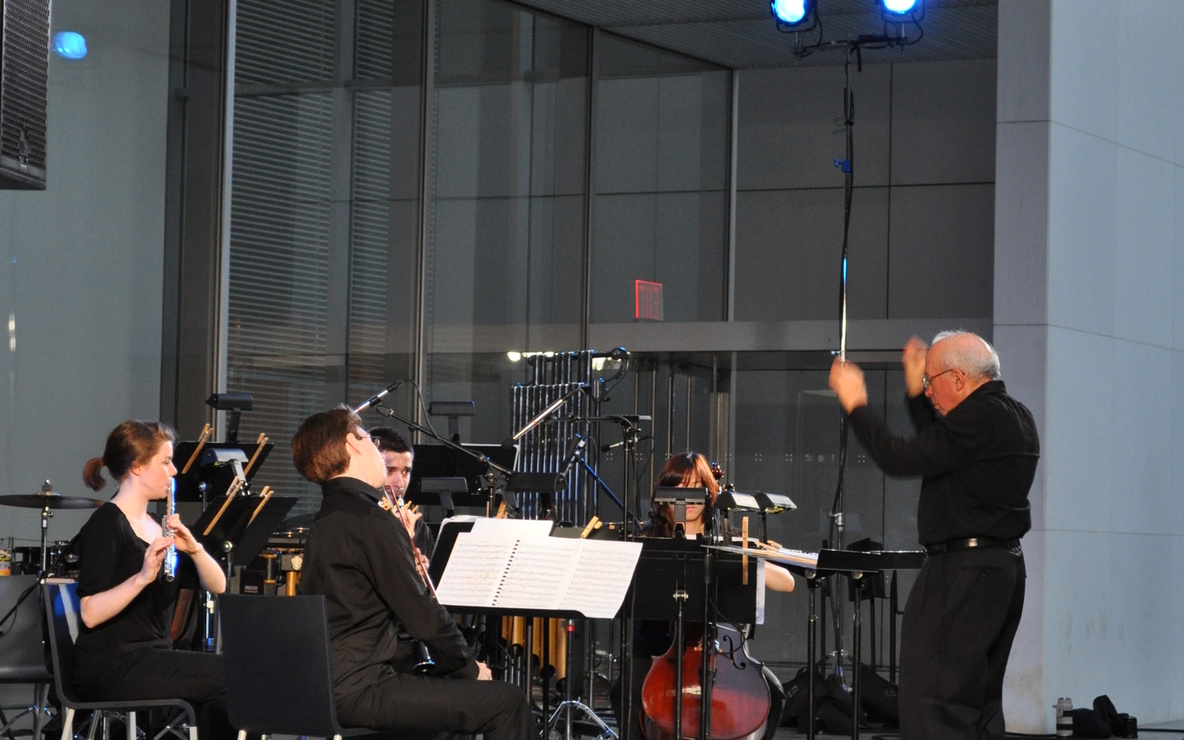 Joel Sachs and The New Juilliard Ensemble. Photo by Ted Sullivan