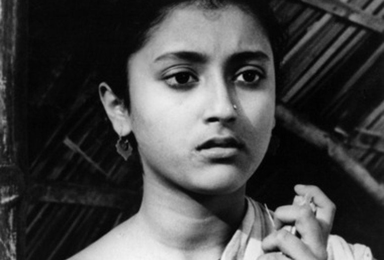 Teen Kanya (Two Daughters). 1961. India. Written, directed, and music composed by Satyajit Ray
