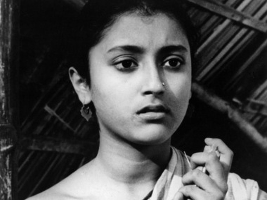 *Teen Kanya (Two Daughters)*. 1961. India. Written, directed, and music composed by Satyajit Ray