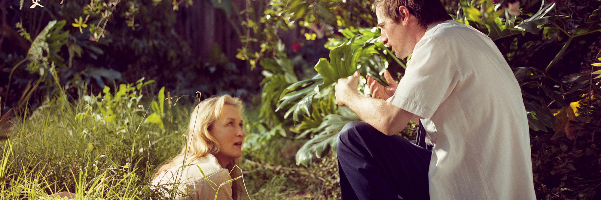 Spike Jonze and Meryl Streep on the set of Adaptation. 2002. USA. Directed by Spike Jonze. © Brigitte Lacombe