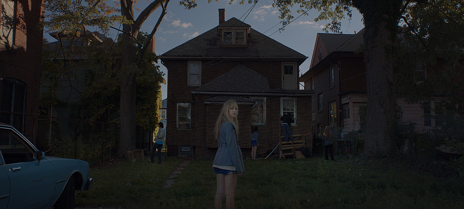 It Follows. 2015. USA. Directed by David Robert Mitchell. Courtesy of Radius-TWC