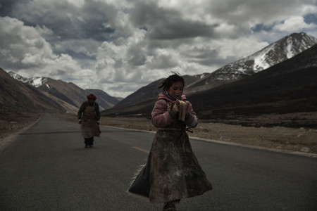 Kang Rinposhe (Paths of the Soul). China. 2015. Directed by Zhang Yang. Courtesy of Icarus Films and KimStim