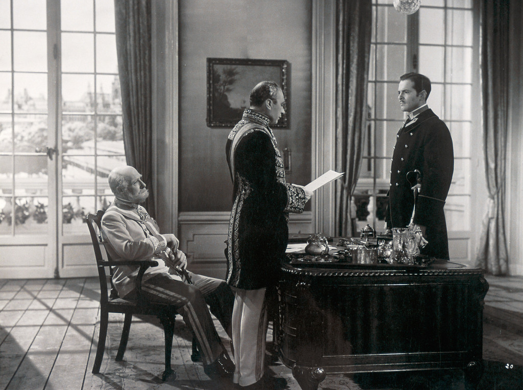 *De Mayerling à Sarajevo.* 1940. France. Directed by Max Ophuls. Courtesy of Collection Musée Gaumont