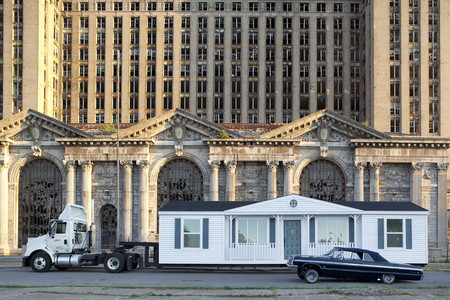Mike Kelley. The Mobile Homestead in front of the abandoned Detroit Central Train Station. 2010. © Mike Kelley Estate, courtesy Mike Kelley Foundation for the Arts. Photograph by Corine Vermuelen
