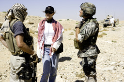 Kathryn Bigelow on the set of *The Hurt Locker*. Photo: Jonathan Olley. © 2011 Summit Entertainment