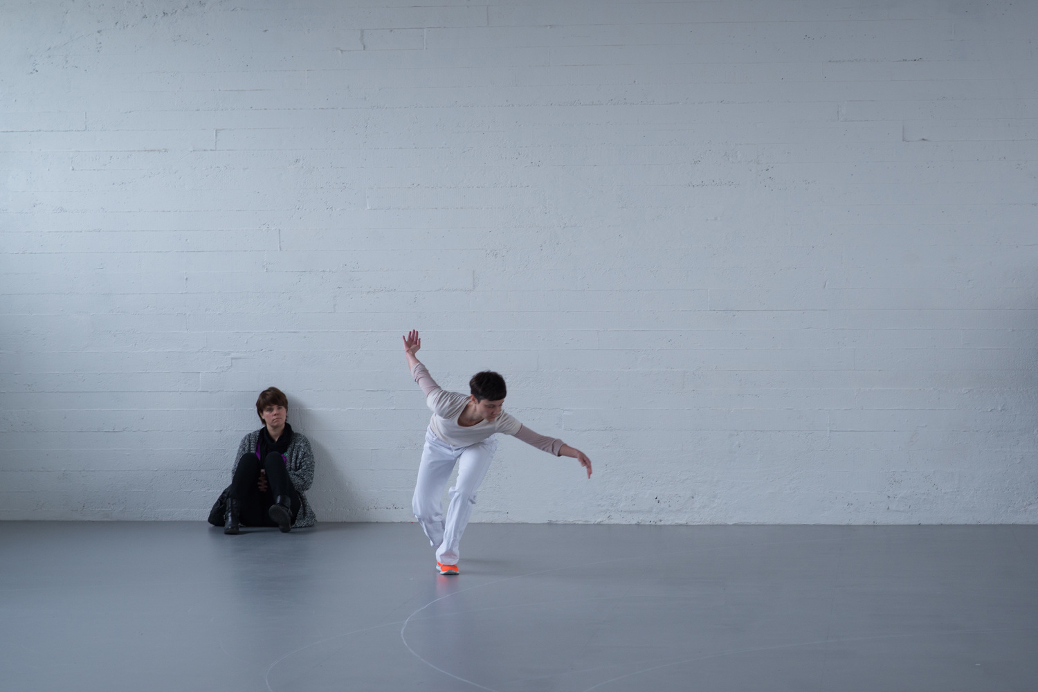 Anne Teresa De Keersmaeker. Work/Travail/Arbeid. 2015. Performed May 2015, WIELS Contemporary Art Centre, Brussels. Photo: Anne Van Aerschot. © Anne Van Aerschot