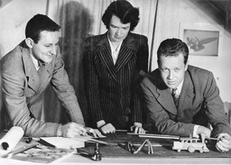 Winners of 1st prize in Smith College – left to right: Norman C. Fletcher, Jean Bodman Fletcher, and Benjamin Thompson. Publicity photograph released in connection with the exhibition New Dormitories for Smith College. Photographic Archive. The Museum of Modern Art Archives, New York. Photo: Fred G. Chase, Northampton, Mass.