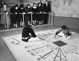 Navajo Indians sand painting, March 26, 1941, at the exhibition Indian Art of the United States. Photographic Archive. The Museum of Modern Art Archives, New York. Photo: Eliot Elisofon