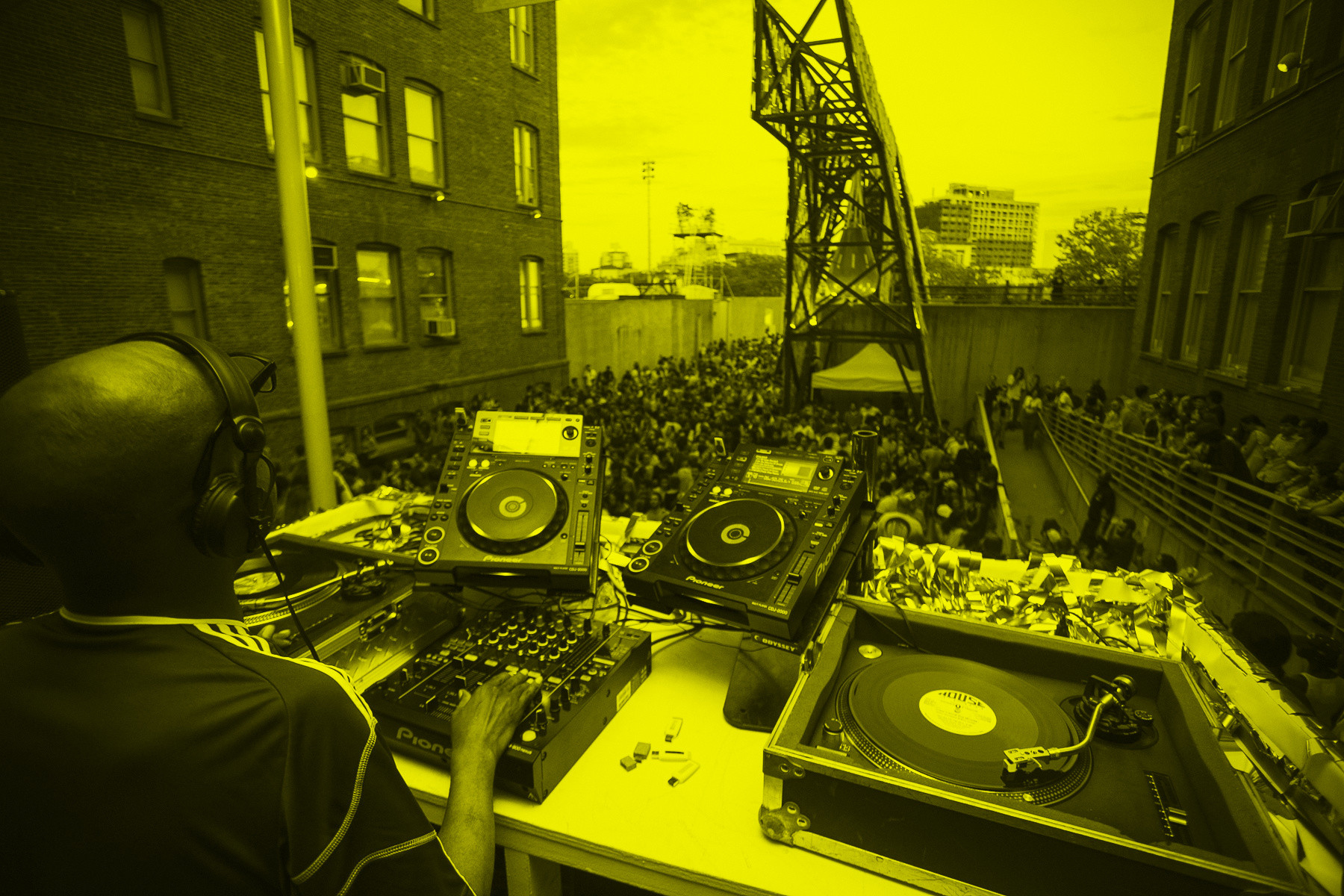 MoMA PS1's Warm Up 2013 featuring Juan Atkins. Image courtesy of MoMA PS1. Photo by Charles Roussel.