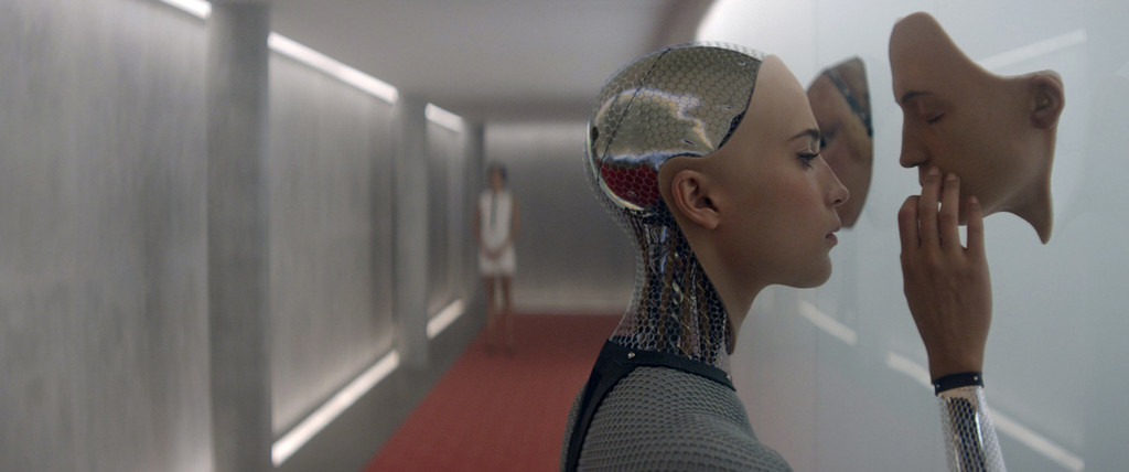 *Ex Machina.* 2014. USA. Written and directed by Alex Garland. Courtesy of Photofest