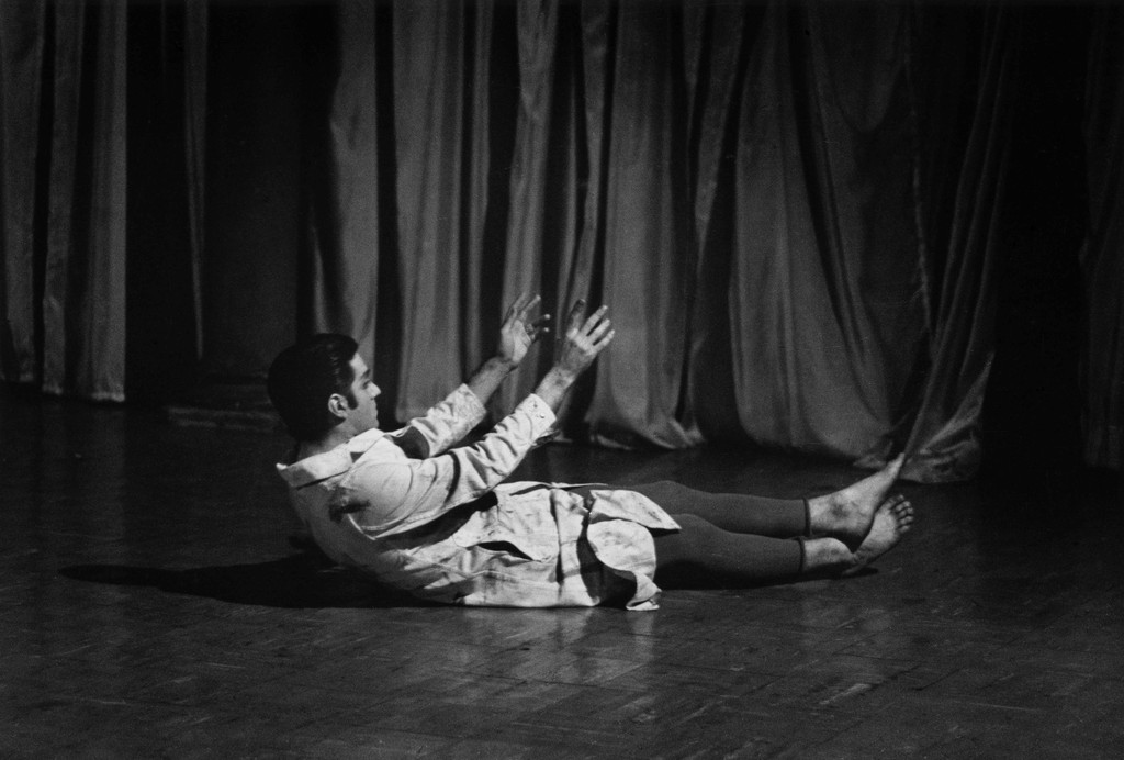 Peter Moore's photograph of David Gordon in *Mannequin Dance*, 1962. Performed in Dance Concert of Old and New Works by David Gordon, Yvonne Rainer, Steve Paxton, Judson Memorial Church, January 10, 1966. © Barbara Moore/Licensed by VAGA at ARS, NY. Courtesy Paula Cooper Gallery, New York