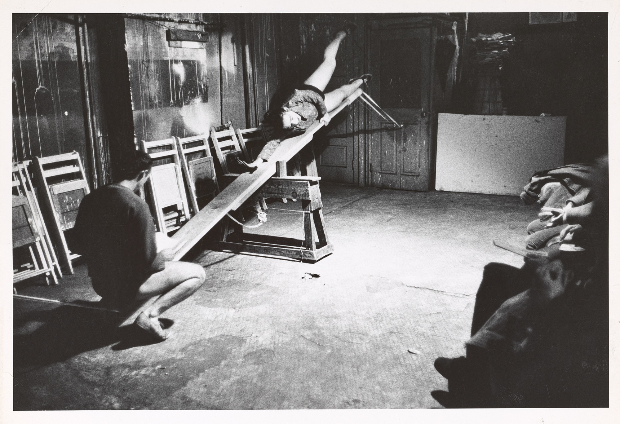 Robert McElroy's photograph of Yvonne Rainer and Robert Morris in _See Saw_, 1960. © Robert R.