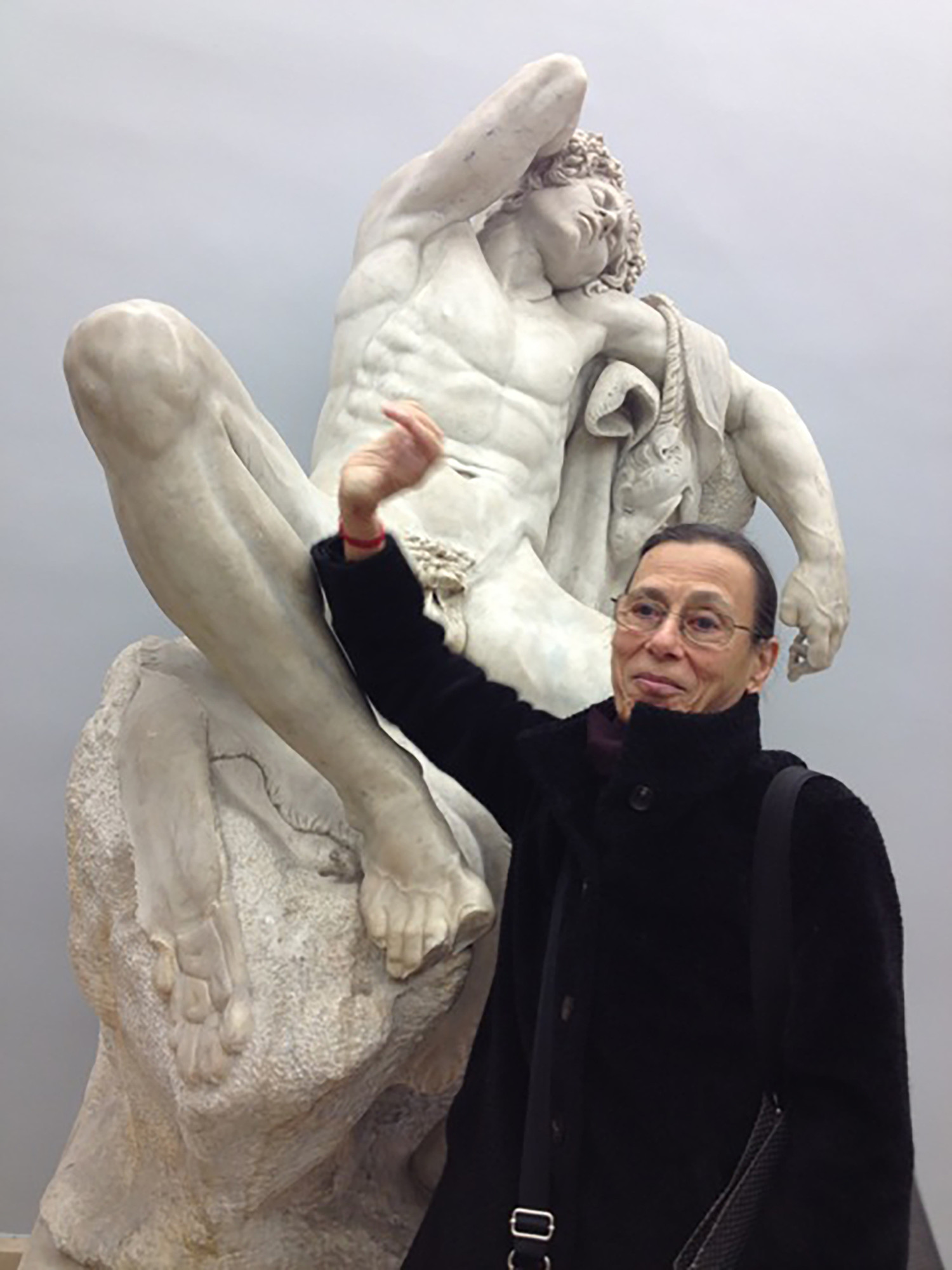 Yvonne Rainer and Cupid, Paris, 2015. Photo: Nathalie Magnan. Courtesy Yvonne Rainer