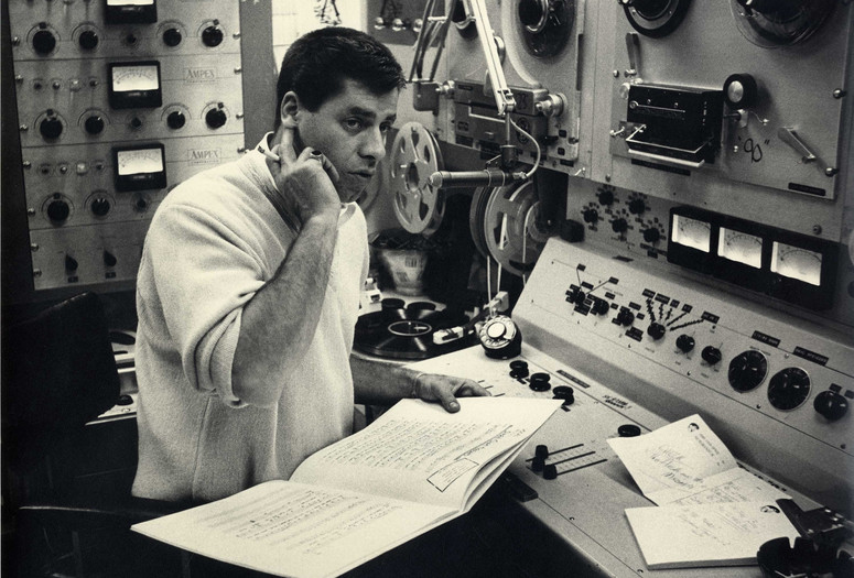 Jerry Lewis mixing music at his home, 1961. Photo: Bill Crespinel. Courtesy Chris Lewis