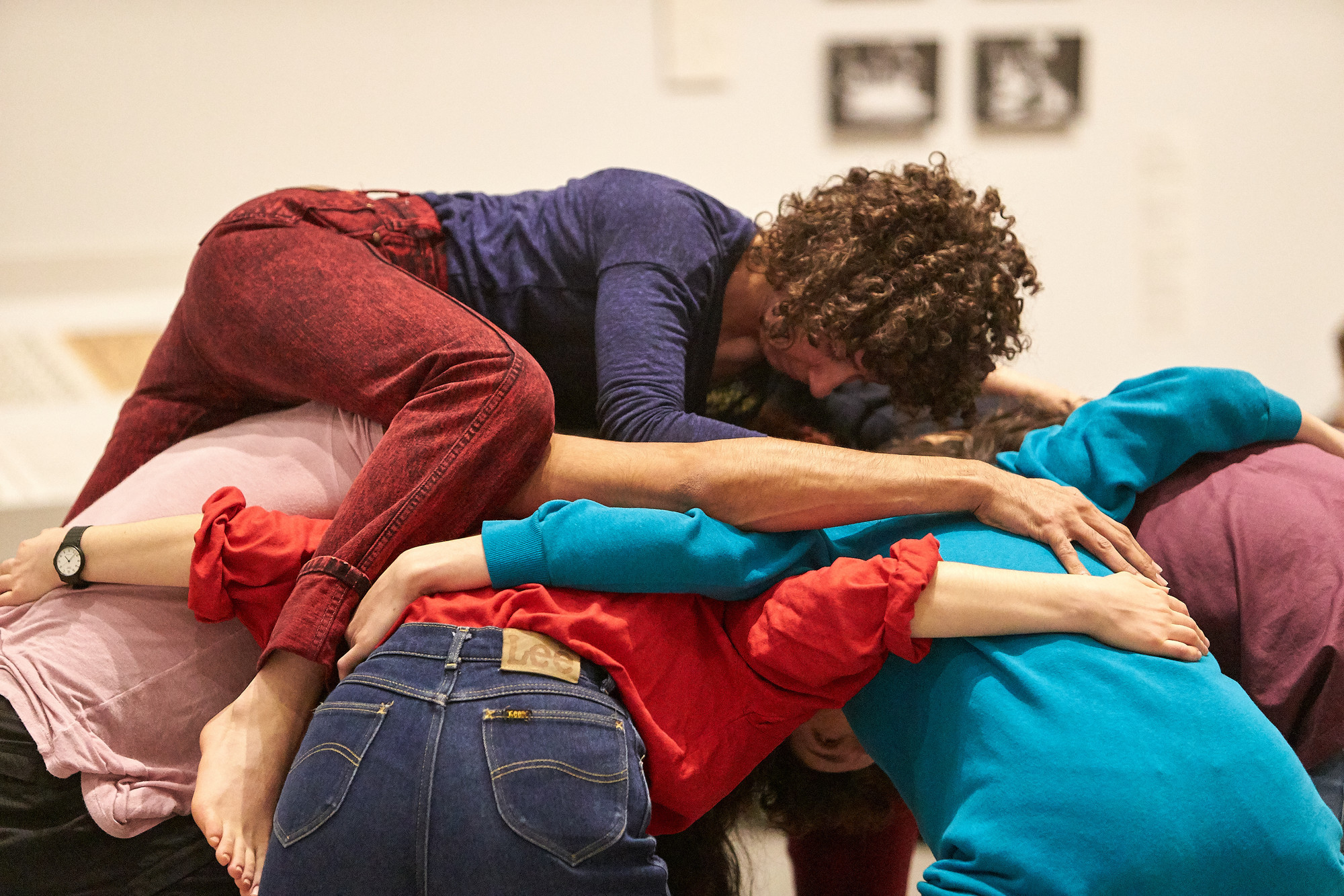 Huddle from Simone Forti's Dance Constructions. Photo: Jason Riker