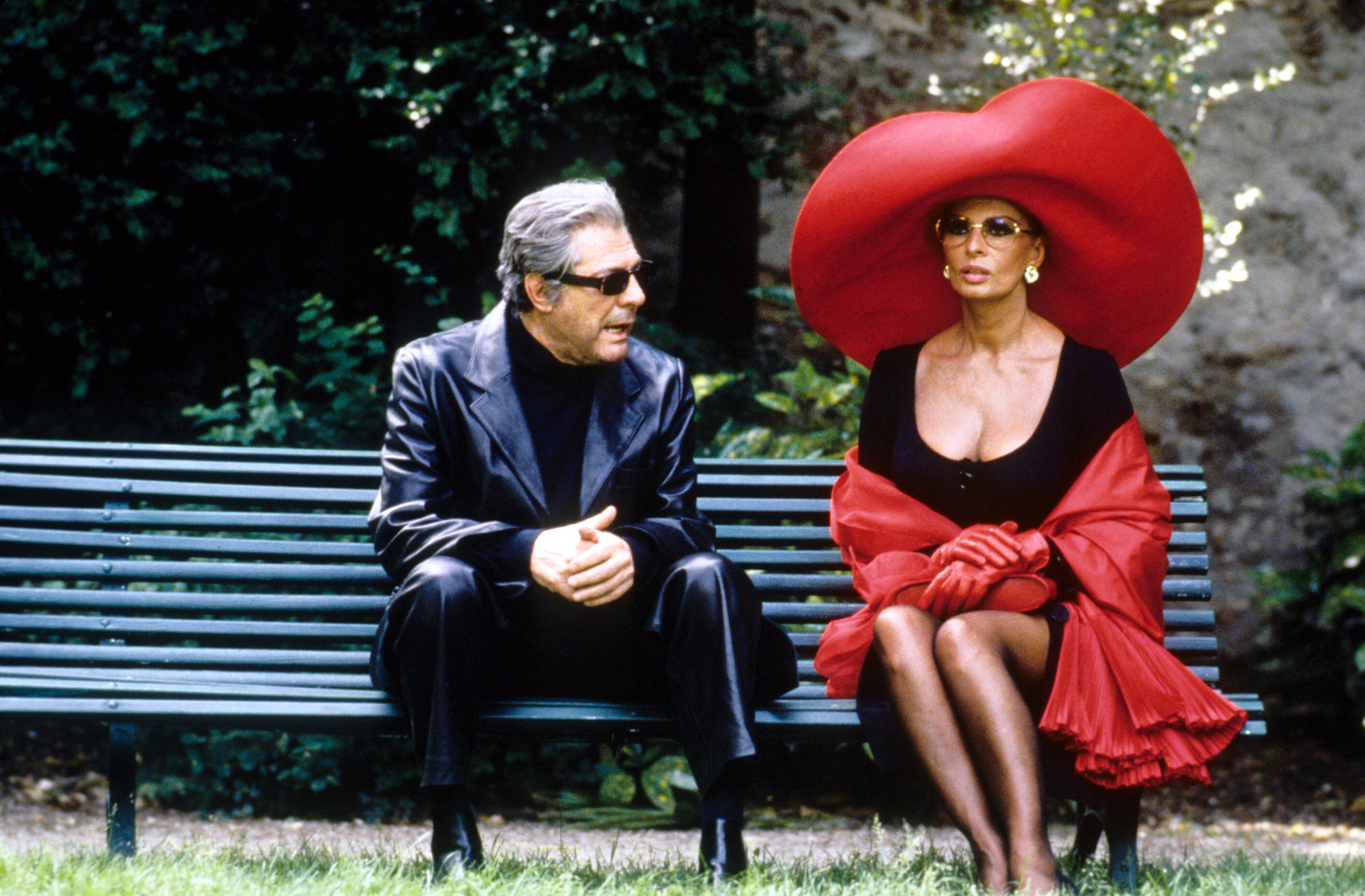 Ready to Wear. 1994. USA. Directed by Robert Altman. Courtesy Miramax Films/Photofest