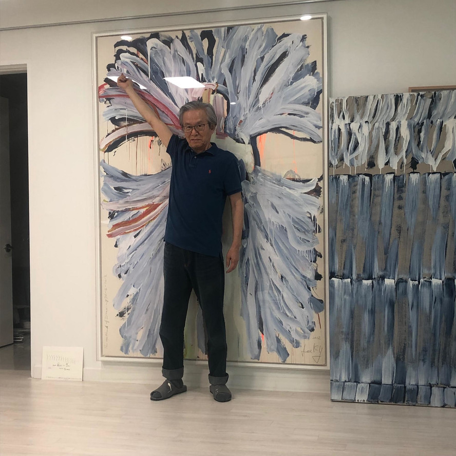 In Lee Kun-Yong's studio, as the artist demonstrates the actions that have animated his work since the 1970s