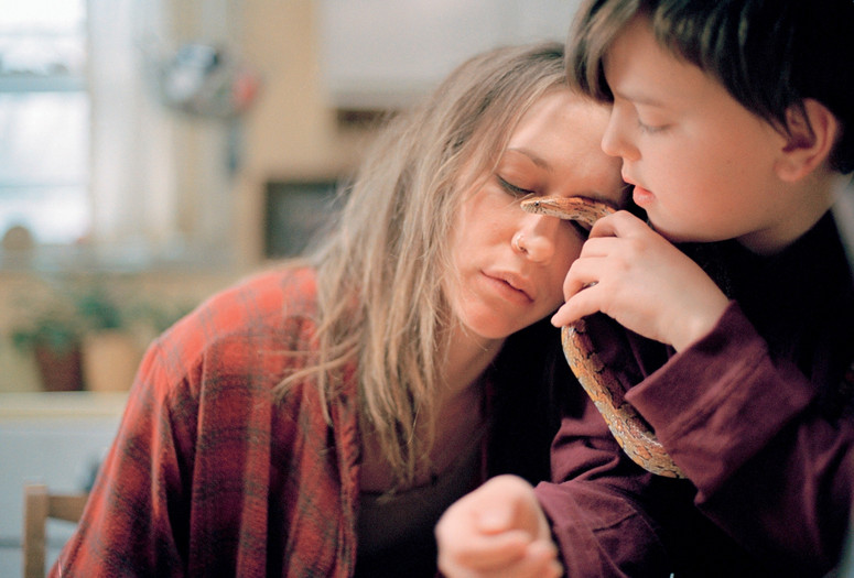 Down to the Bone. 2004. USA. Directed by Debra Granik. Courtesy Laemmle/Zeller Films/Photofest