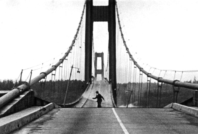 Tacoma Narrows Bridge Collapse. 1940. USA. Directed by Barney Elliott, Harbine Monroe