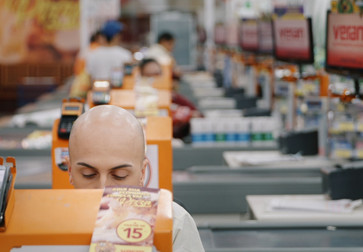 My Darling Supermarket. 2019. Brazil/Denmark. Directed by Tali Yankelevich. Courtesy Elo Company.