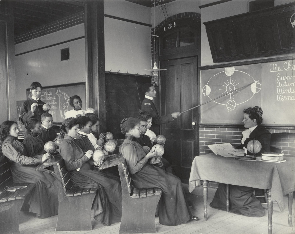 Frances Benjamin Johnston. Geography: Studying the Seasons from the Hampton Album. 1899–1900