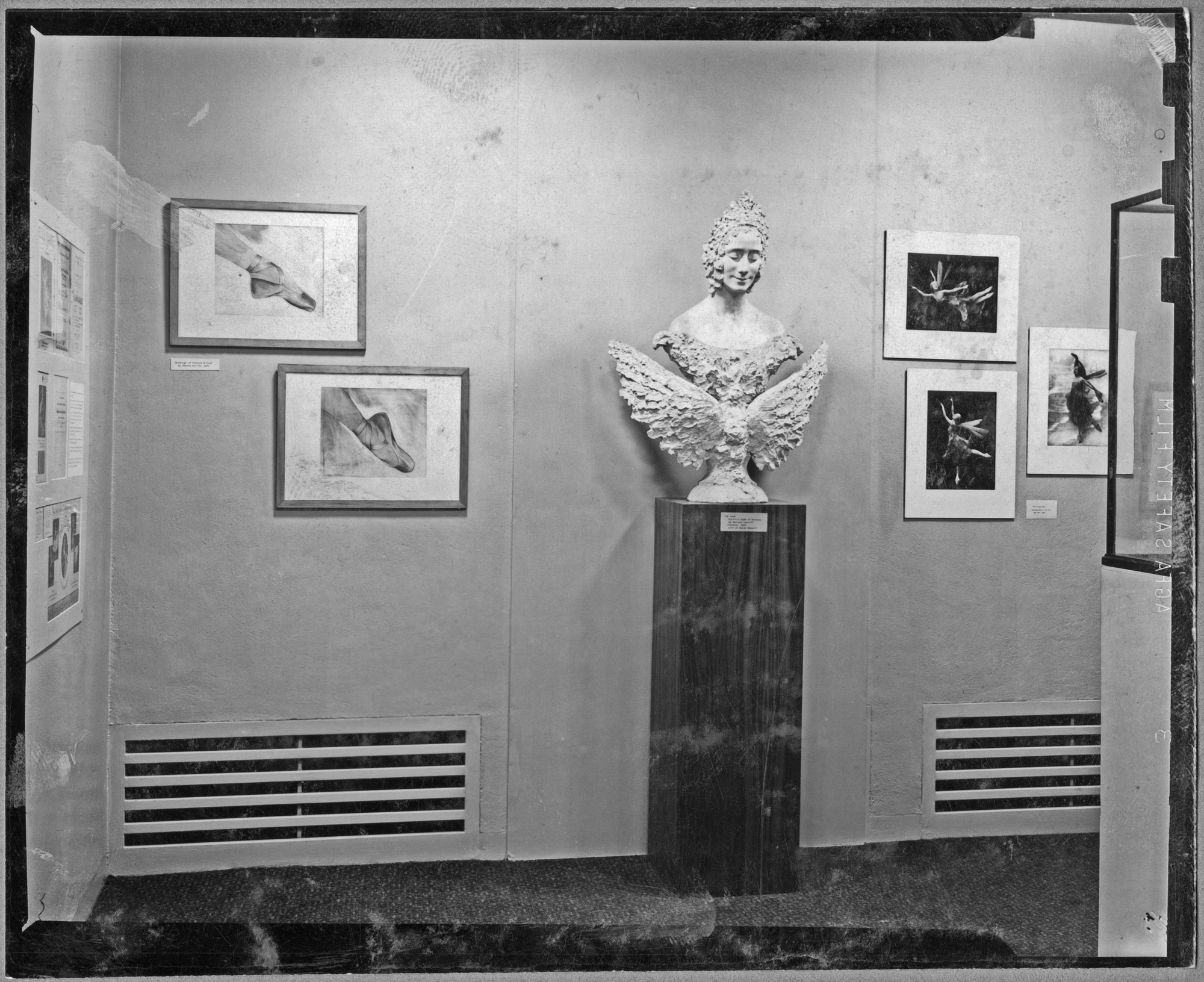 "Installation view of the exhibition, ""Pavlova Memorial Exhibition."" January 7, 1941–March 6, 1941. Photographic Archive. The Museum of Modern Art Archives, New York. IN122.1A"