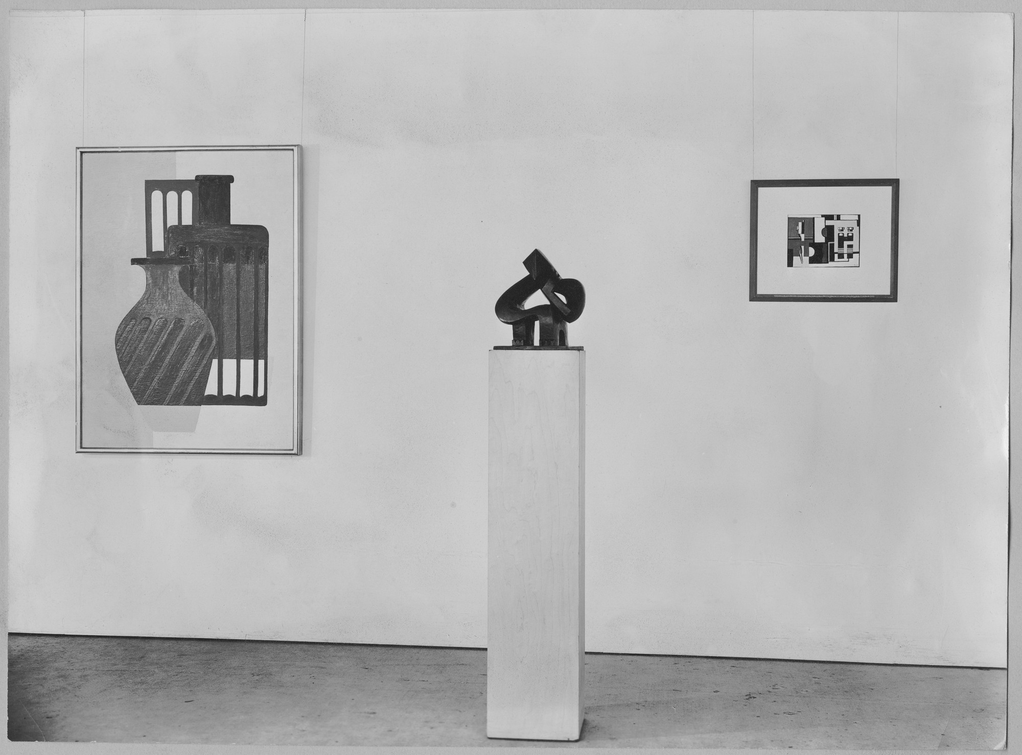 "Installation view of the exhibition, ""Modern Art in Your Life."" October 5, 1949–December 4, 1949. Photographic Archive. The Museum of Modern Art Archives, New York. IN423.1. Photograph by Soichi Sunami."