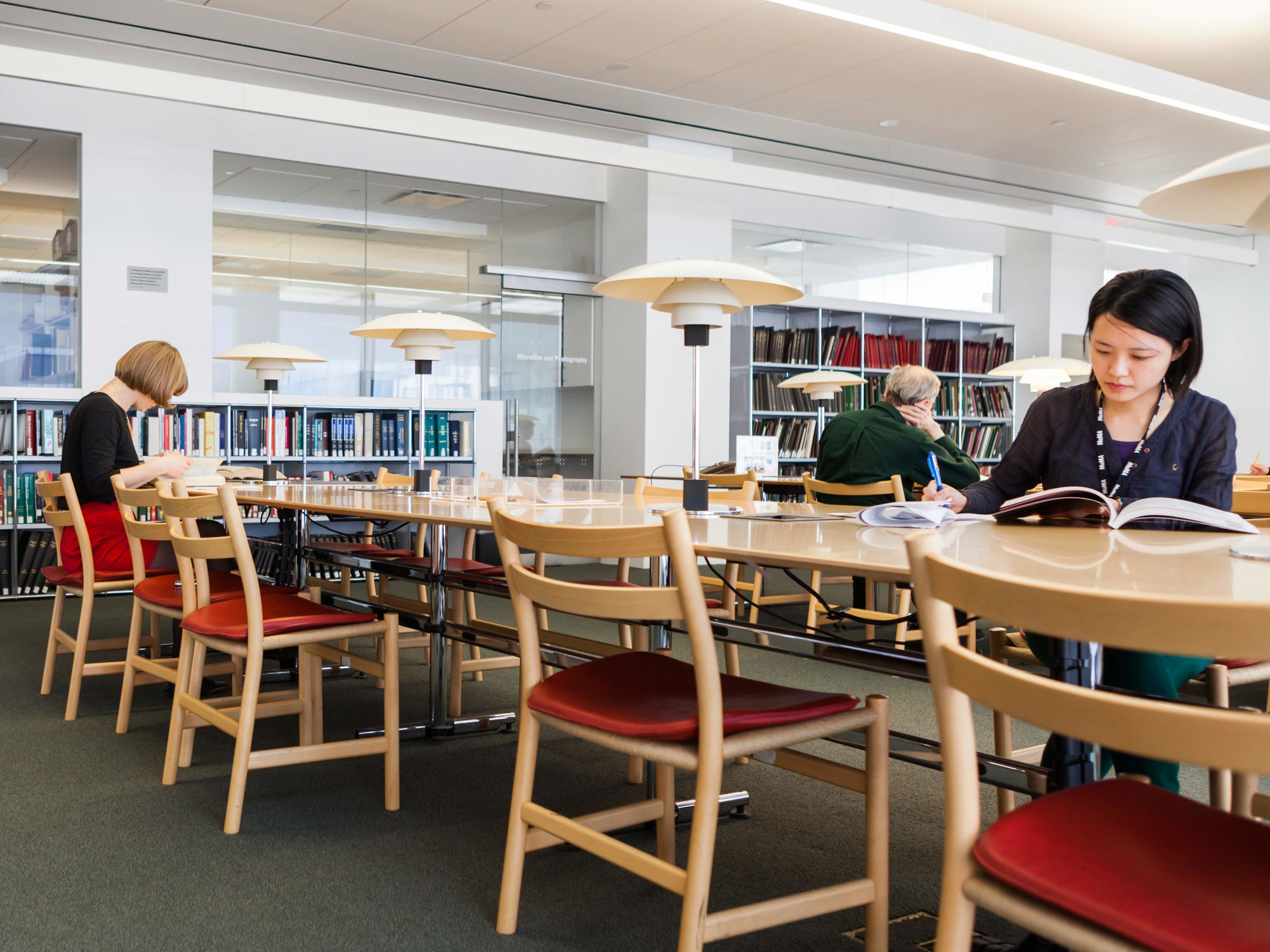 The Library Reading Room in The Lewis B. and Dorothy Cullman Education and Research Building, designed by Yoshio Taniguchi. Photo: Laurie Lambrecht