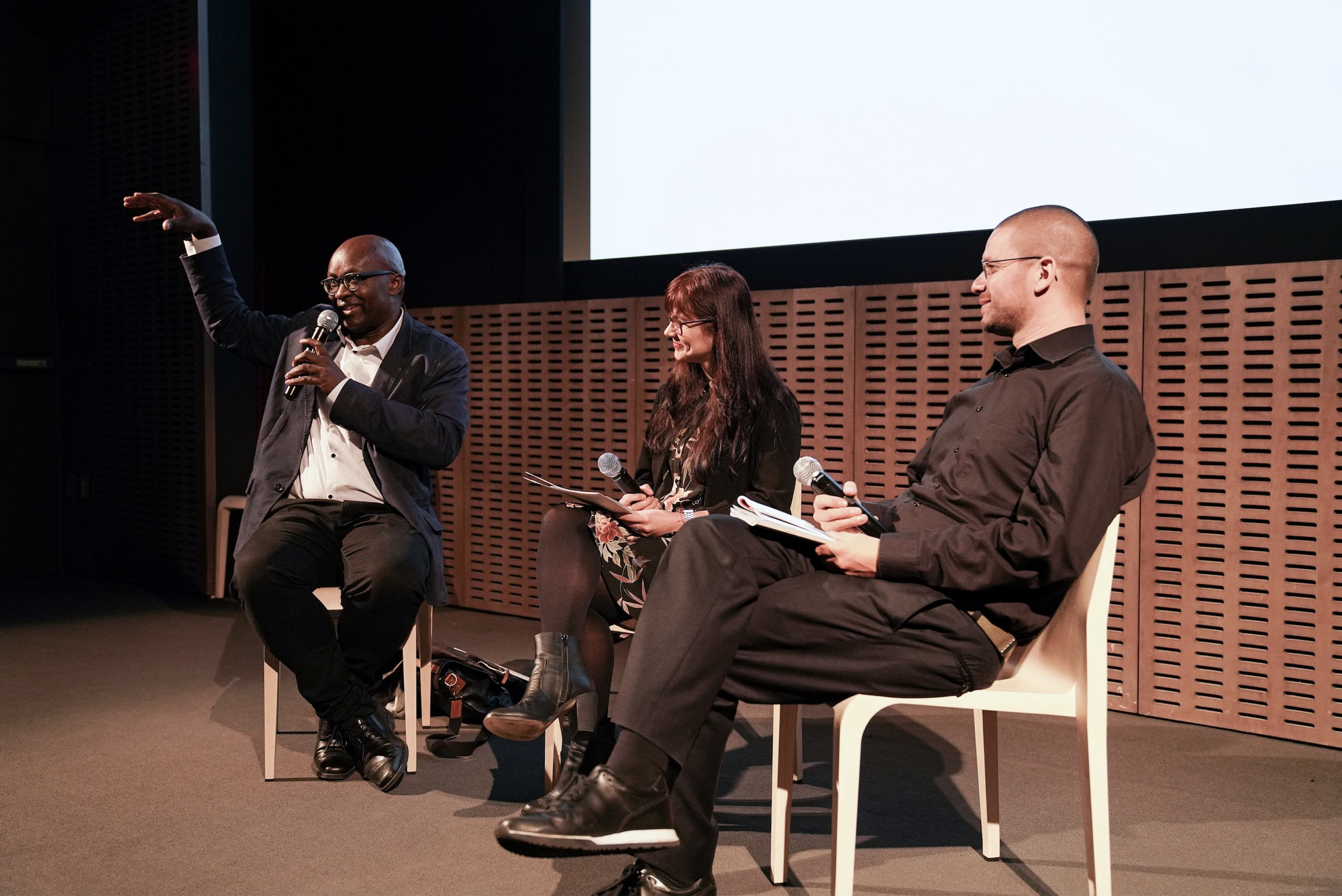Achille Mbembe, Iberia Pérez González, and Max Jorge Hinderer in the symposium to mark the 10th anniversary of C-MAP, The Multiplication of Perspectives. Photo: Julieta Cervantes