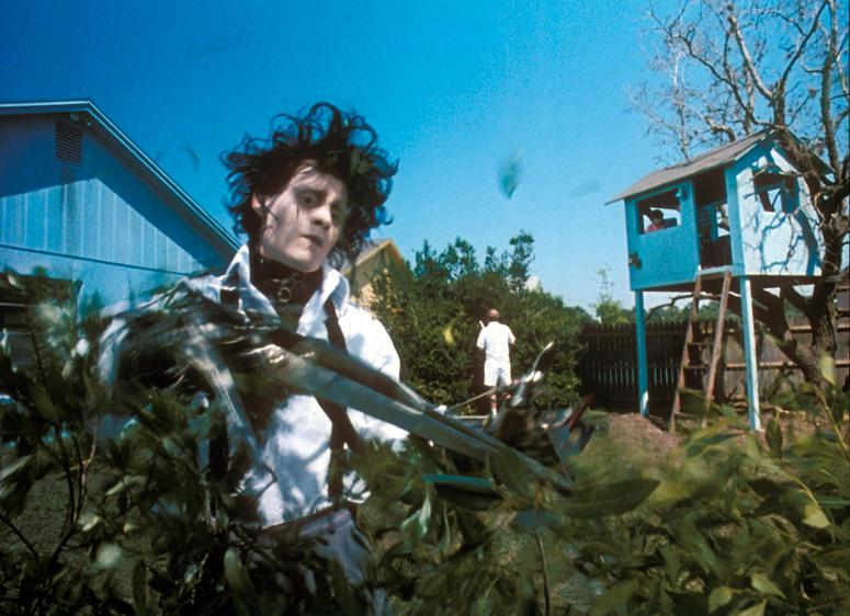 Edward Scissorhands. 1990. USA. Directed by Tim Burton. Shown: Johnny Depp (as Edward Scissorhands). Twentieth Century Fox