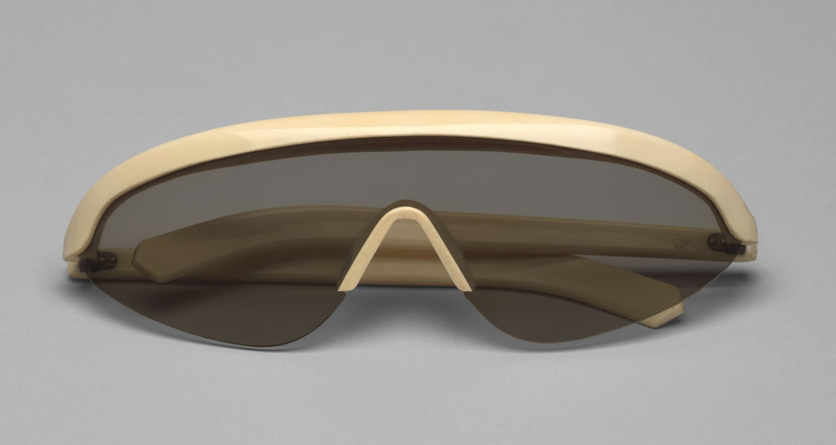 "Polaroid Sunglasses. American Optical Corp., Southbridge, MA. c. 1946. Plastic, l. 6 1/8"" (15.6 cm). Manufactured by American Optical Corp., Southbridge, MA. Gift of Edgar Kaufmann, Jr."