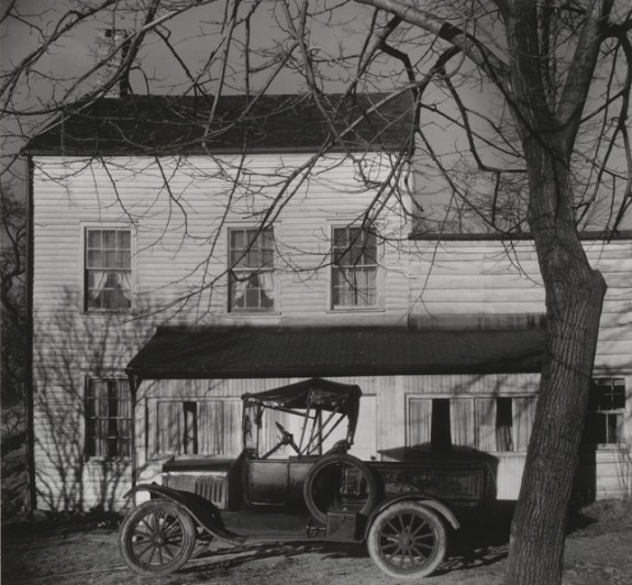 "Walker Evans. Westchester, New York, Farmhouse. 1931. Gelatin silver print. 6 7/8 x 7 3/8"" (17.5 x 18.8 cm). Anonymous Fund. (c) 2013 Walker Evans Archive, Metropolitan Museum of Art"