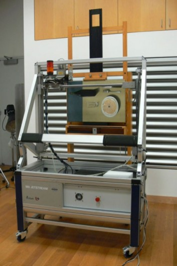 The Portrait is placed on an easel in front of the Bruker M6 Jetstream XRF scanner. The scanning took approximately 48 hours for a final resolution of a 0.5 mm.