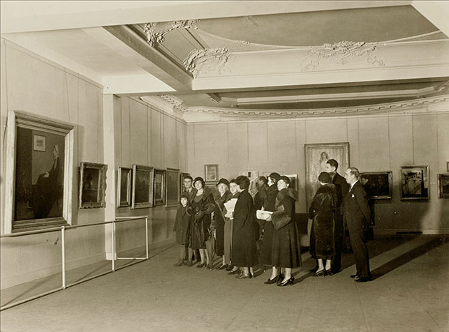 Visitors at the exhibition American Painting and Sculpture, 1862–1932, The Museum of Modern Art, October 31, 1932–February 11, 1933. Photographic Archive, The Museum of Modern Art Archives, New York