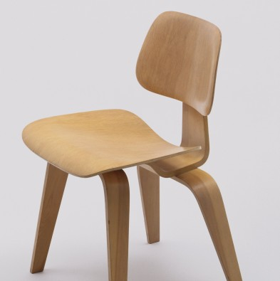 Ray and charles eames furniture Table Side Chair model Dcw Charles Eames Ray Eames Hive Modern Moma Charles Eames And Ray Eames Side Chair model Dcw 1946