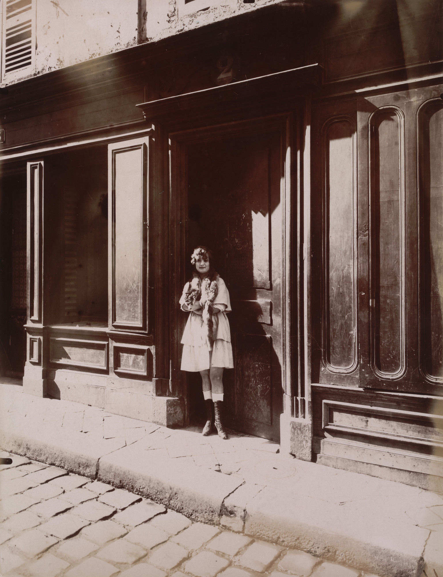 Eugène Atget. Versailles, maison close, Petite Place. March 1921