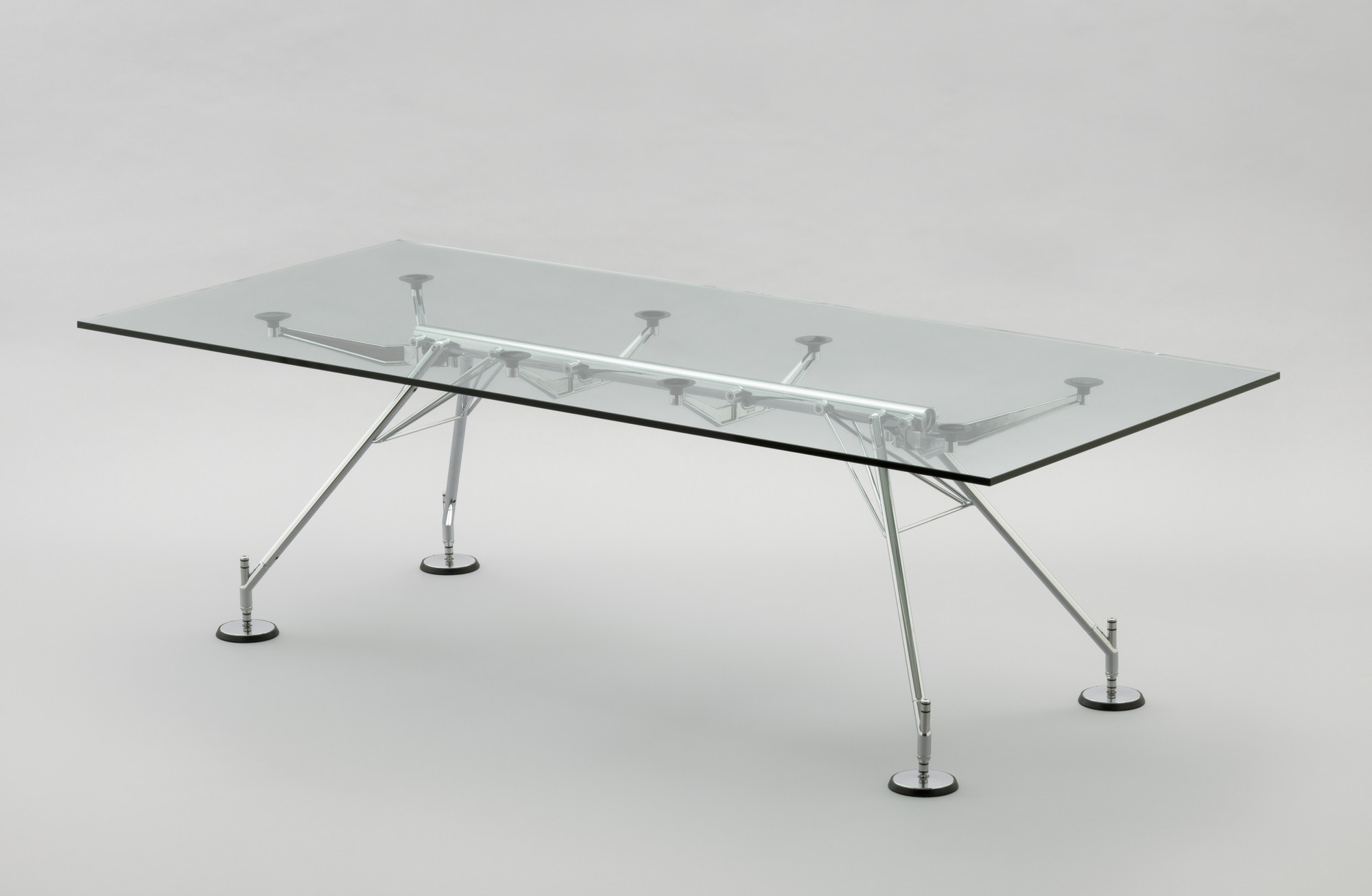 Norman Foster. Nomos Dining Table. 1986