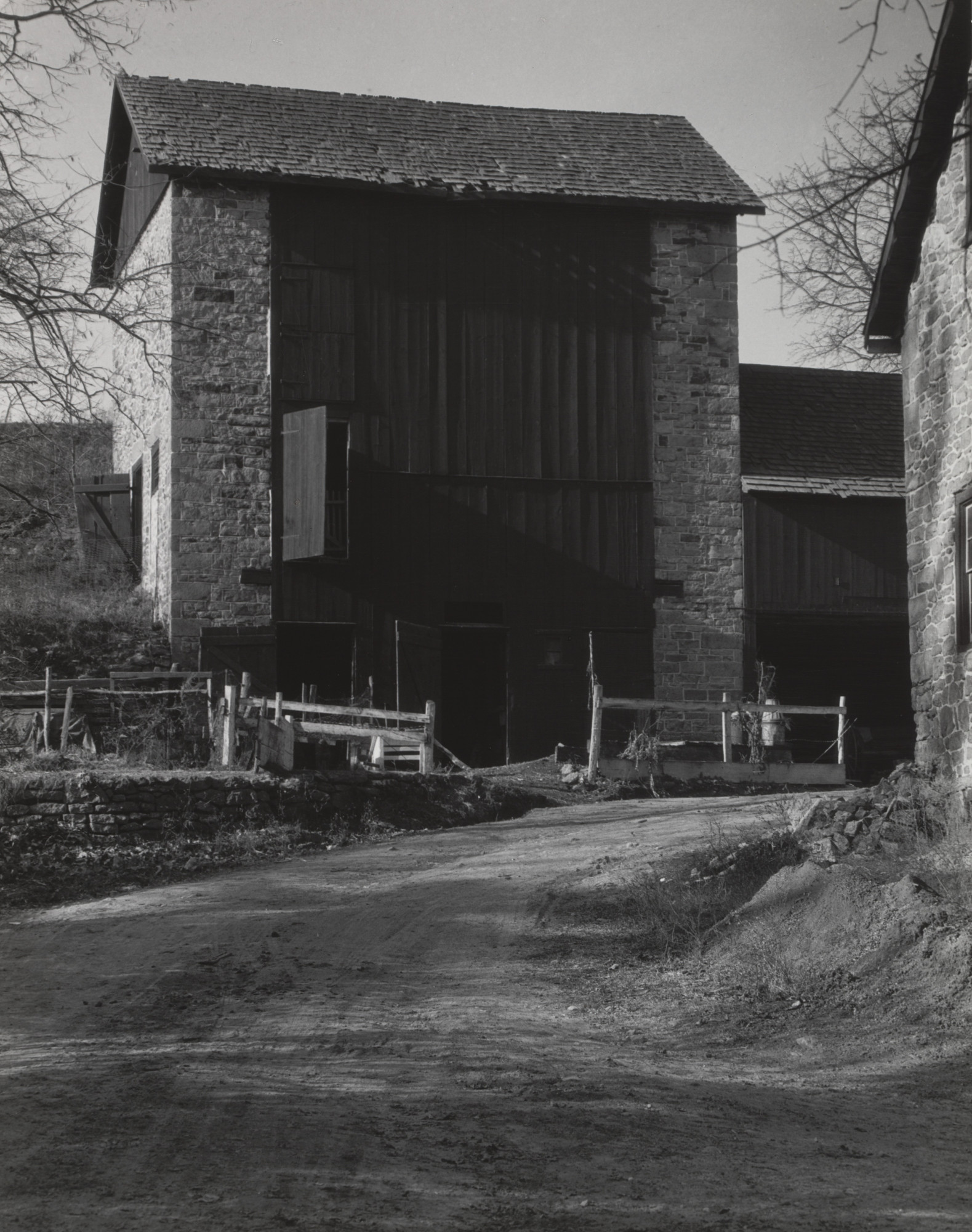 Charles Sheeler. Bucks County Barn. 1914-17