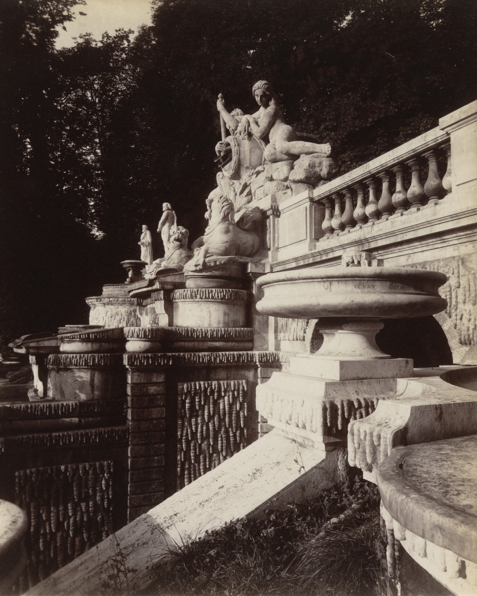 Eugène Atget. Saint-Cloud. 1923