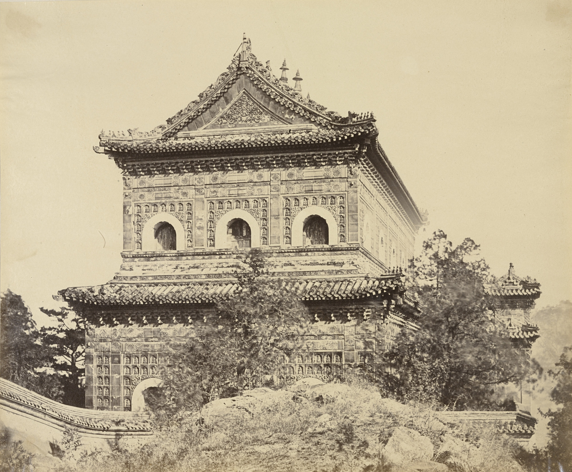 Felice Beato. The Great Imperial Porcelain Palace, Yuen Ming Yuen, Pekin. October 1860