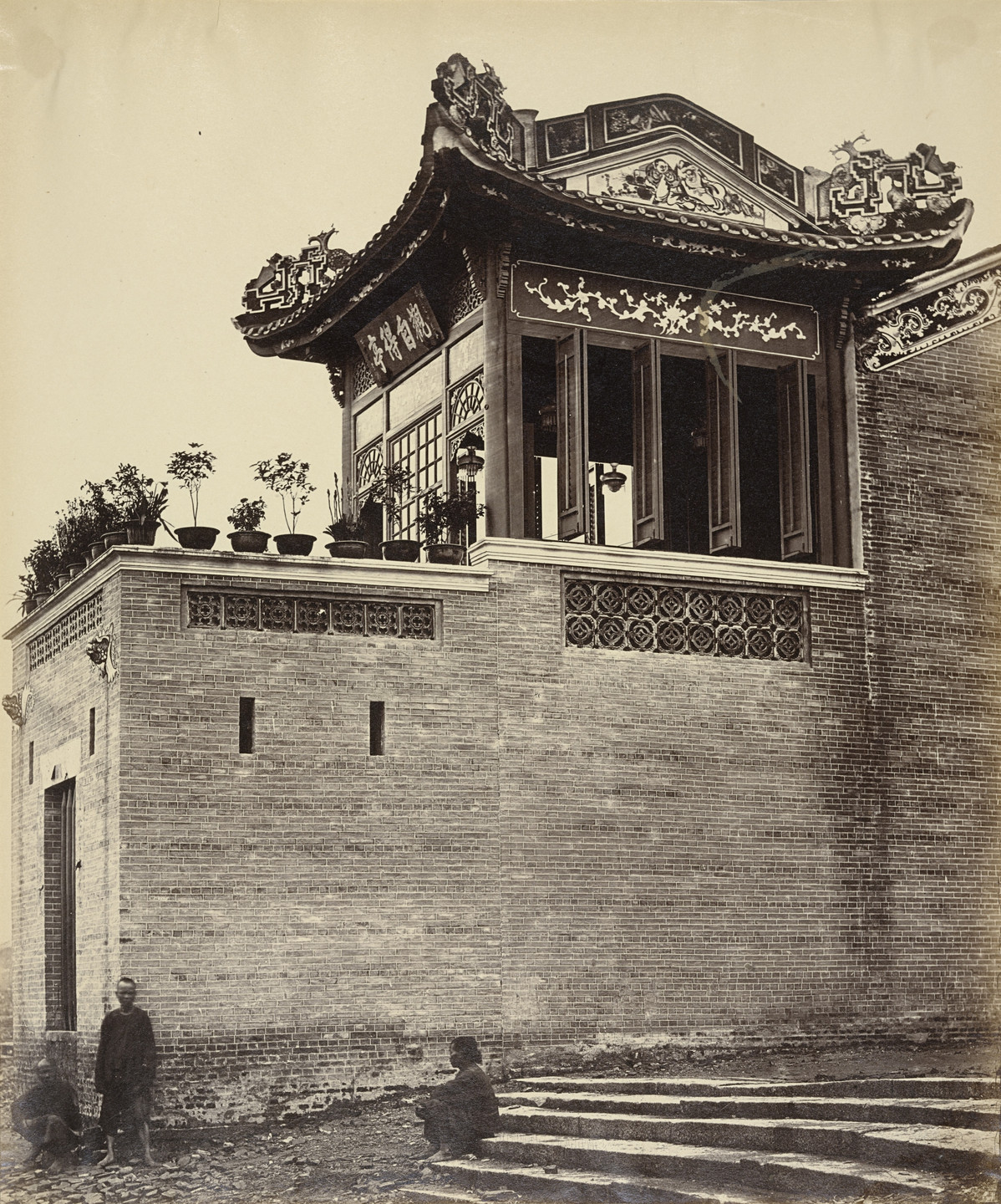Felice Beato. Chinese Merchant's House, Canton. April 1860