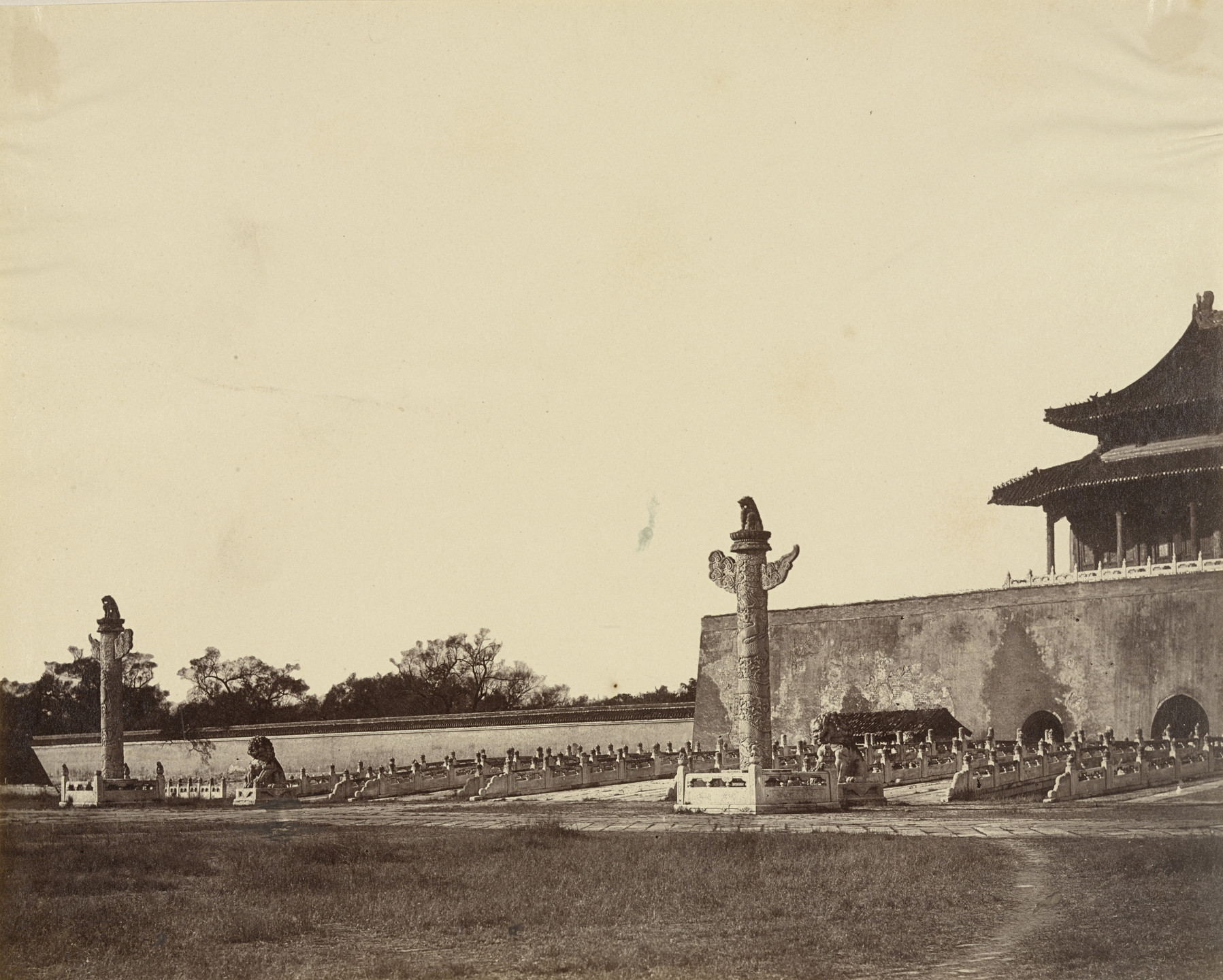 Felice Beato. Entrance to Winter Palace in Peking. October 29, 1860