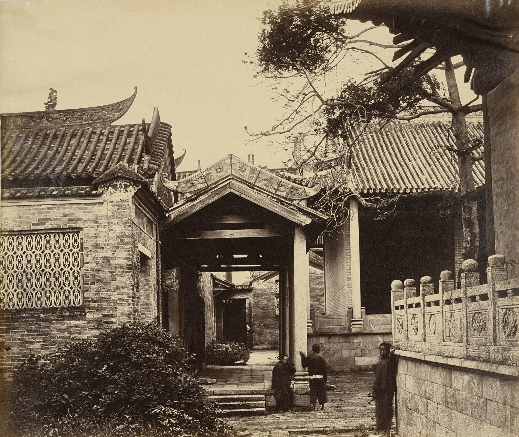 Felice Beato. Name Hui Kung Temple, Canton. April 1, 1860