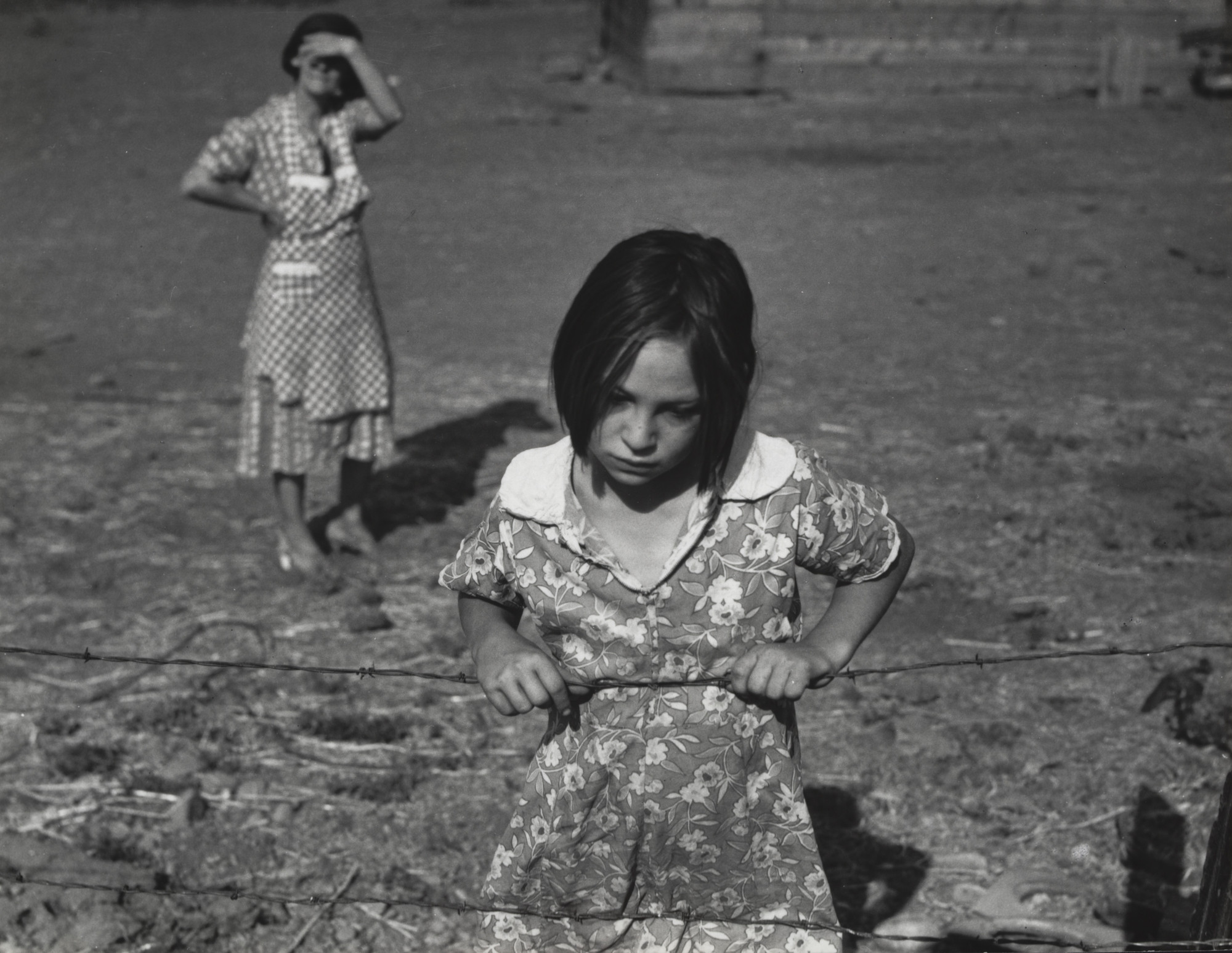 Dorothea Lange. Child and Her Mother, Wapato, Yakima Valley, Washington. August 1939