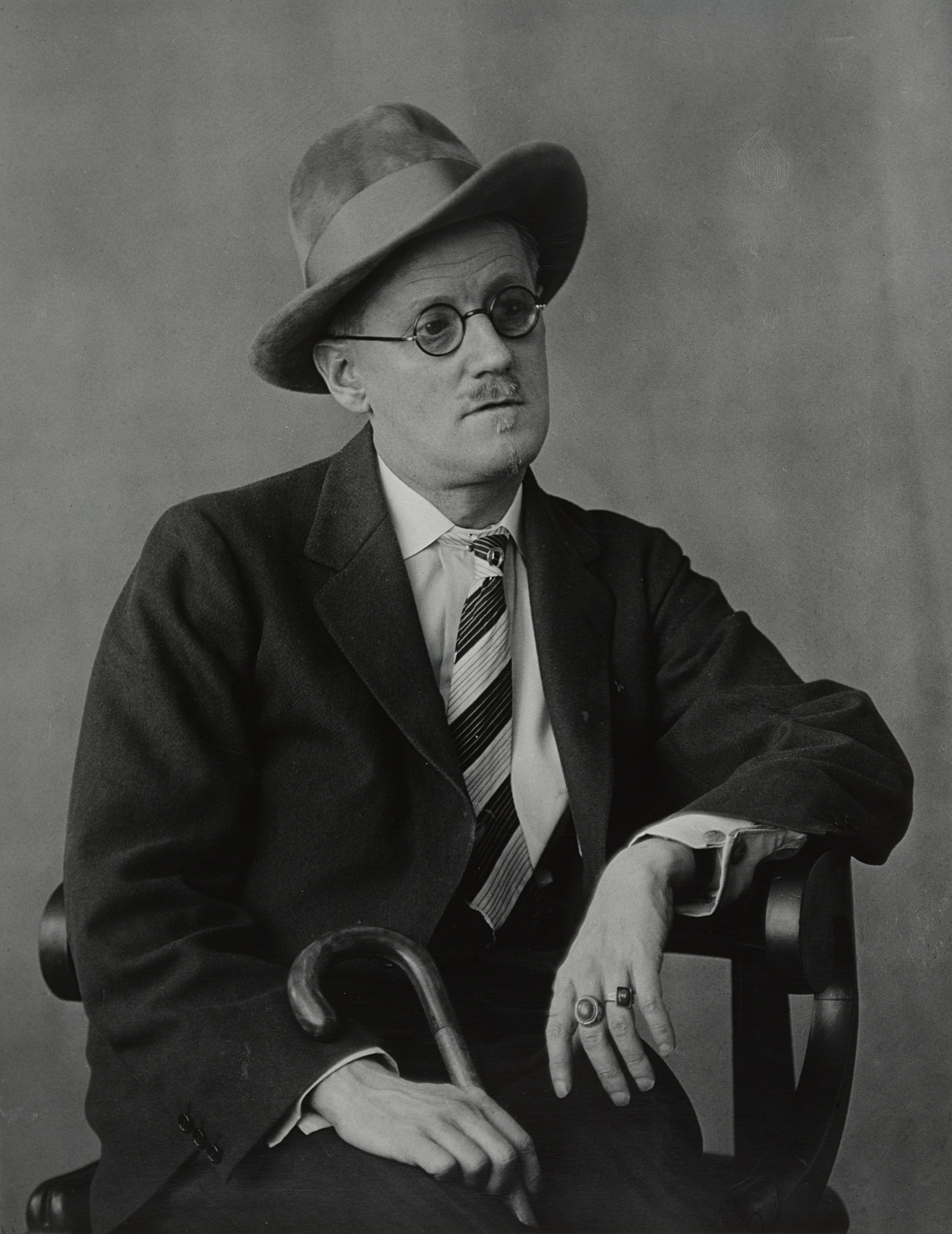 Berenice Abbott. James Joyce. 1928