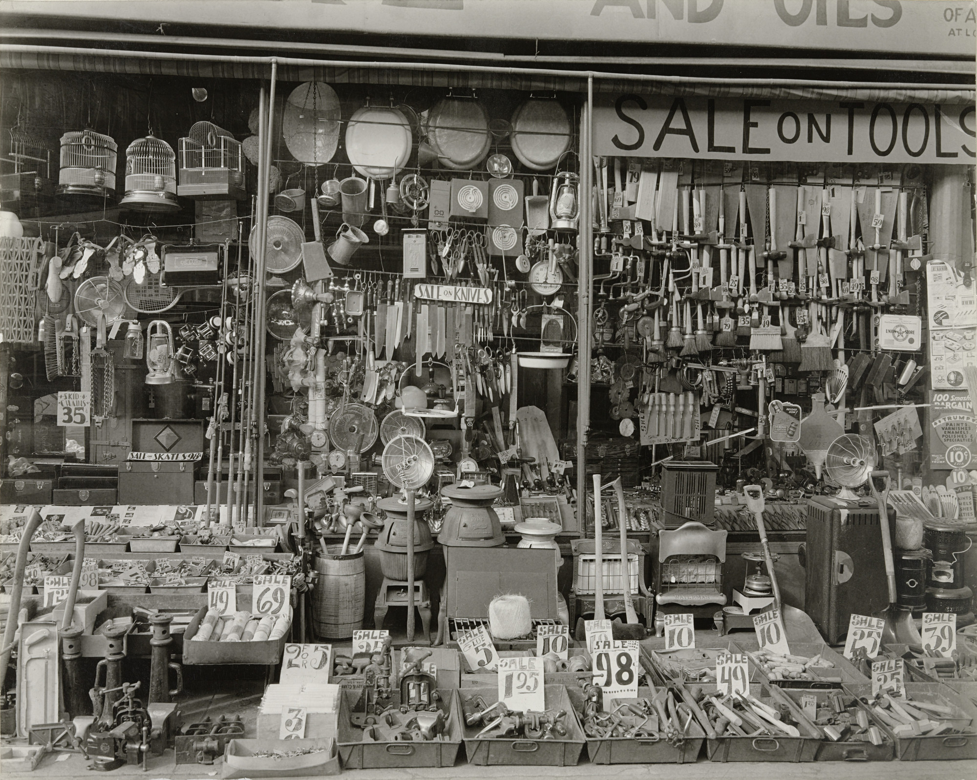 Berenice Abbott. Hardware Store, 316-318 Bowery, Manhattan. January 26, 1938