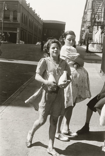 Helen Levitt. New York. c. 1945